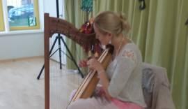 Harfimängija Aura Alas