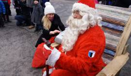 Muusikaõpetaja Anne-Lys jõuluvanaga